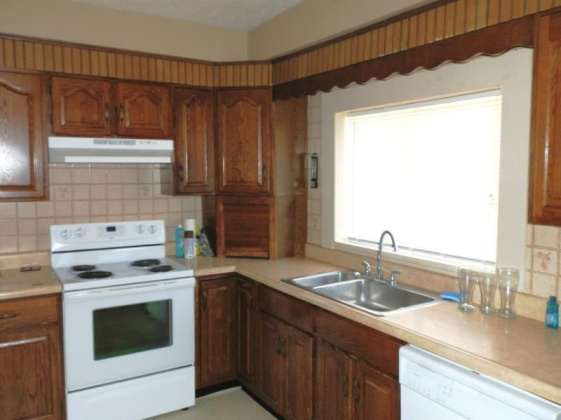 6105 King Hill, Missouri 64504, ,For Sale,King Hill,2084300