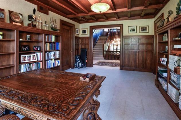 5208 Belleview, Kansas City, Missouri 64112, 5 Bedrooms Bedrooms, ,4 BathroomsBathrooms,For Sale,Belleview,2195061