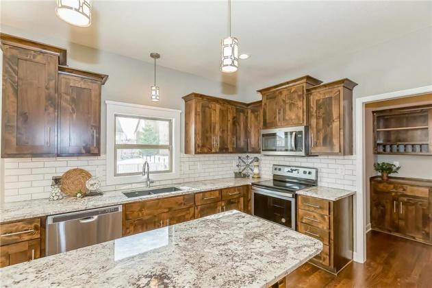 1315 Hickorywood, Grain Valley, Missouri 64029, 4 Bedrooms Bedrooms, ,2 BathroomsBathrooms,For Sale,Hickorywood,2203381