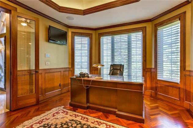 19230 Flint, Overland Park, Kansas 66083, 6 Bedrooms Bedrooms, ,6 BathroomsBathrooms,For Sale,Flint,2204049